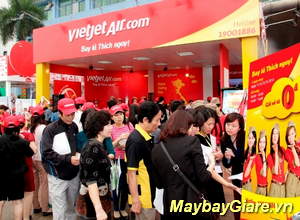 Vietnam Airlines khuyến mãi vé Tết chỉ từ 299.000 đồng. Cơ hội bay chưa bao giờ gần đến thế. Nhanh tay săn vé máy bay giá rẻ Vietnam Airlines khuyến mãi vé Tết chỉ từ 299.000 đồng.