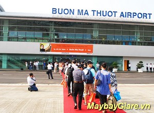 Vé máy bay Buôn Ma Thuột giá rẻ nhất, khuyến mãi hấp dẫn mỗi ngày Vé máy bay Sài Gòn đi Buôn Ma Thuột