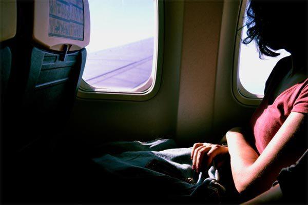 Mất việc vì giấu triệu chứng nhiễm Covid-19 khi bay về TQ